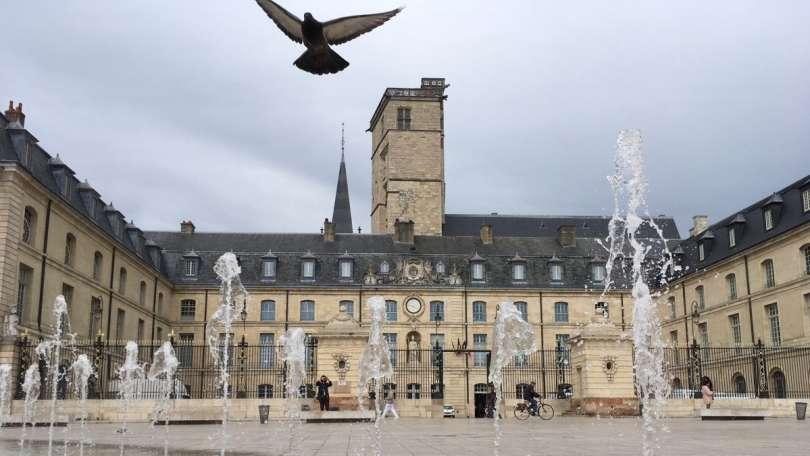 Investissement location meublée Dijon : les quartiers rentables !